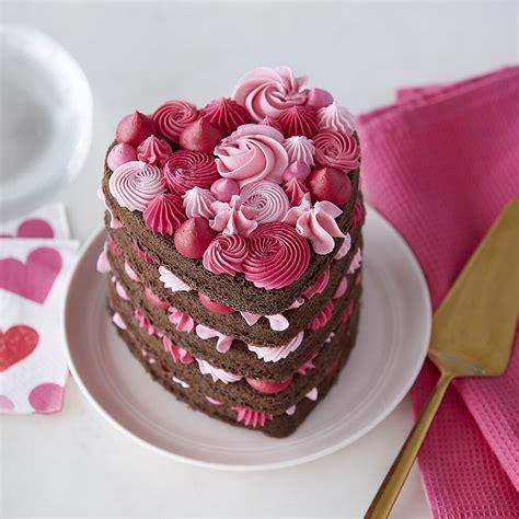 heart cake layered heart cake wilton