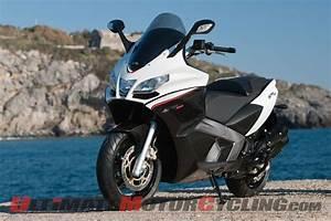 Aprilia Srv 850 : aprilia srv 850 maxi scooter first ride ultimate motorcycling magazine ~ Medecine-chirurgie-esthetiques.com Avis de Voitures