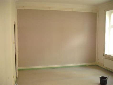Farbige Wand Wei Streichen. Wand Streichen Mit Streifen So