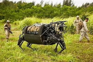 4本脚ロボ「BigDog」、ハワイで軍事演習に初参加(動画あり)|WIRED.jp