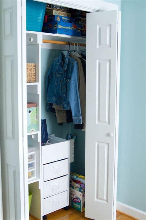placard de rangement pour chambre amenagement interieur placard chambre agrandir une