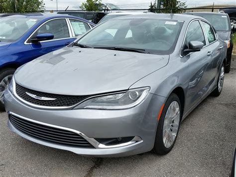 Gas Mileage Chrysler 200 by Mpg Gas Mileage Vehicle And Performance Comparisons