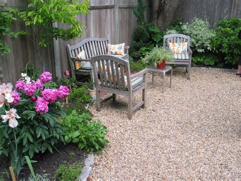 25 best ideas about pea on gravel patio
