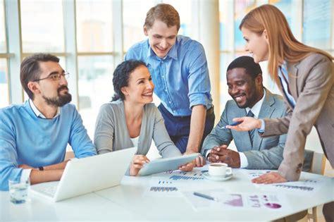 Os benefícios de ajudar meu colega de trabalho - Portal Vagas