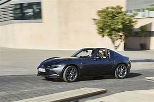 Mazda Mx 5 Rf Occasion : essai mazda mx 5 rf 2017 notre avis sur la miata toit rigide photo 4 l 39 argus ~ Medecine-chirurgie-esthetiques.com Avis de Voitures