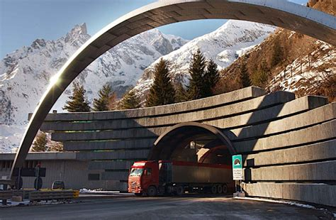 tunnel du mont blanc don t wait to be told what to do in the of a get out of danger foxy