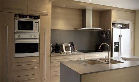 cuisine hetre clair cuisine en chêne brossé blanchi plan de travail en