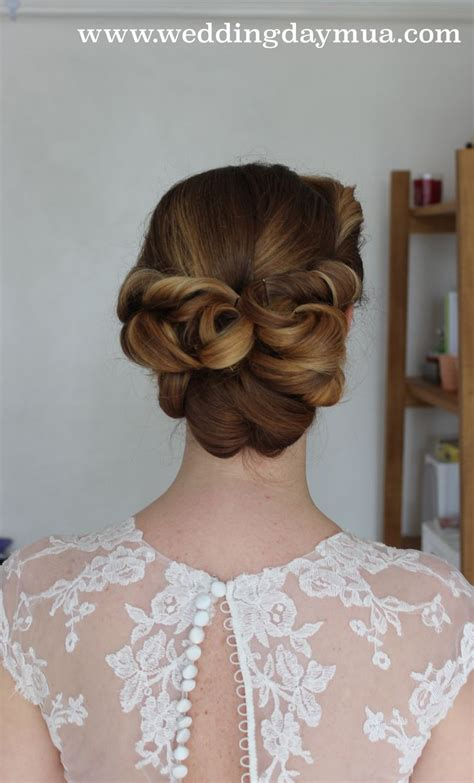 Wedding Hairstyles 1950s by Best 25 1950s Updo Ideas On 50s Hairstyles