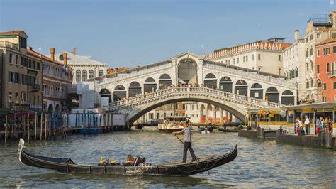Amid Italys Coronavirus Lockdown The Waters In Venice