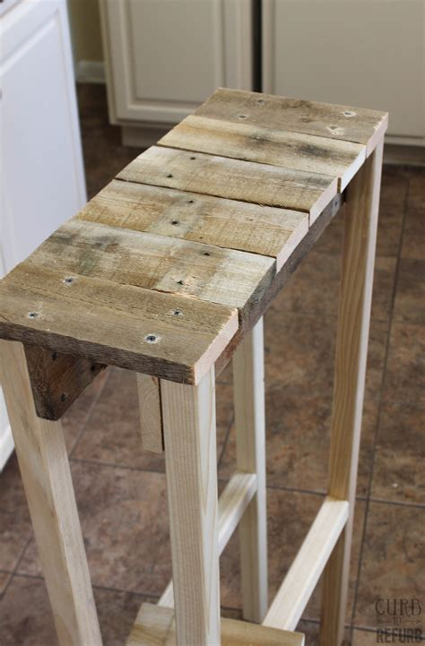 remodelaholic build  pallet table