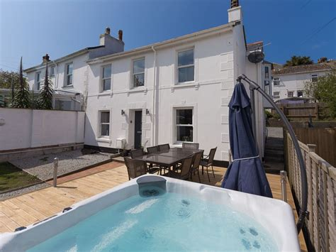 Stunning, Pet And Family Friendly, St Ives Cottage