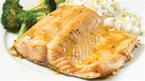 cuisiner le poisson au four filet de truite au cari recettes iga poisson miel