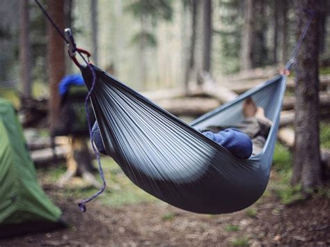 Hammock Backpacking Tips by 8 Expert Tips For Comfortable Hammock Cing Boys
