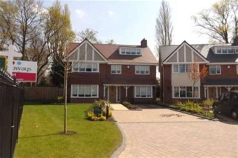 bedroom detached house  rent  hodge hill common