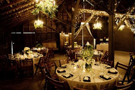 Barn Wedding Decorations : Tips On Barn Decorating For The Wedding Reception
