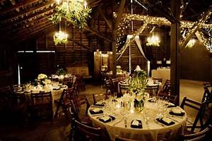 Tips on barn decorating for the wedding reception for Decorating a barn for a wedding reception