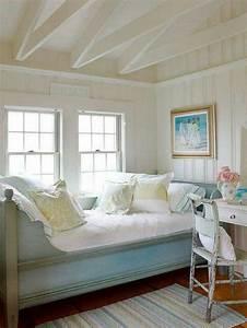 Einrichten Und Wohnen : pretty cottage bedroom with pastels bedrooms pinterest einrichten und wohnen winterg rten ~ Frokenaadalensverden.com Haus und Dekorationen