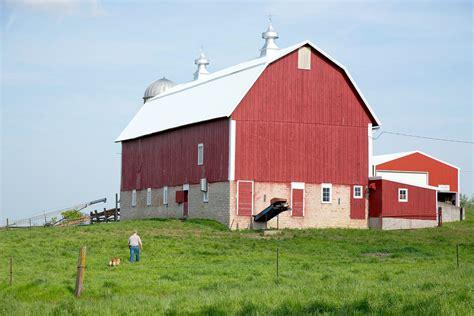 In Iowa, Working To Save Historic Barns