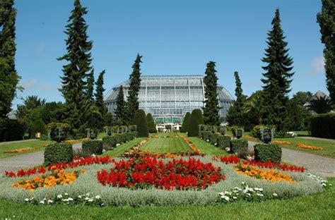 Der Botanische Garten Und Das Botanische Museum Berlin