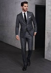 Blauer Anzug Schwarze Krawatte : ryan reynolds black suit white shirt black tie suit up pinterest ryan reynolds and black ~ Frokenaadalensverden.com Haus und Dekorationen