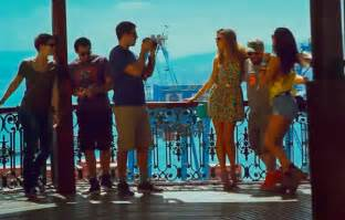 video aftershock trailer eli roth plays tourist