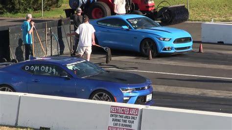 Mustang Vs Camaro Drag Race by Mustang Gt 2017 Vs Camaro 2ss 2017 Arrancones Drag Race