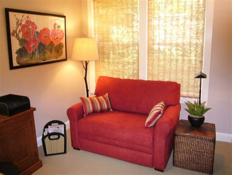 Small Loveseat For Bedroom by Lovely Small Loveseat For Bedroom Homesfeed
