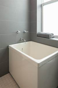 Small bathtubs for small bathrooms nz25 best ideas about for Bathroom direct nz
