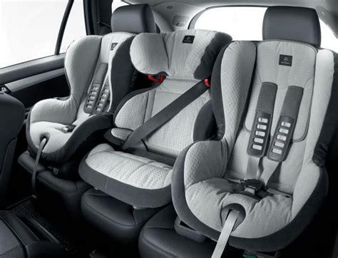 a quel age siege auto ceinture de sécurité et siège enfant prévention routière