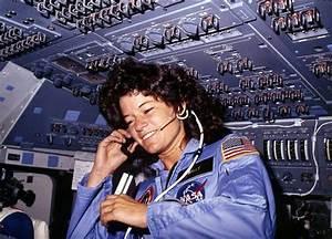 Sally Ride » Resources » Surfnetkids