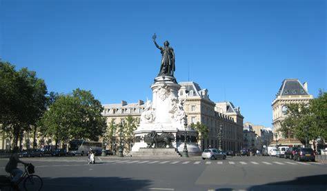 Place de la République   stephanekirkland.com
