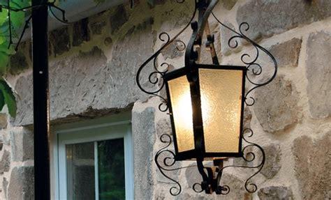 lanterne exterieure fer forge comment r 233 nover une lanterne en fer forg 233 bricobistro