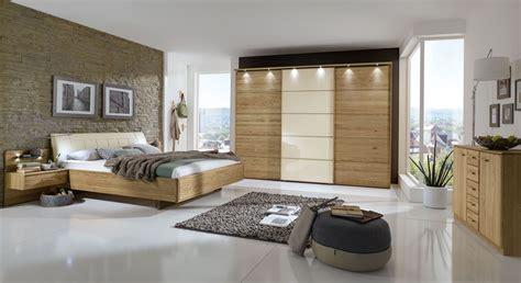 Weißes Schlafzimmer Komplett by Schlafzimmer Komplett In Eiche Teilmassiv Mit Schwebebett