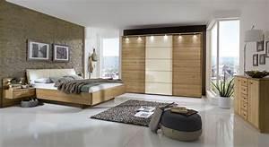Schlafzimmer komplett in eiche teilmassiv mit schwebebett for Komplett schlafzimmer