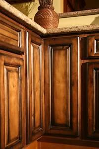 Pecan Maple Glaze Kitchen Cabinets, Rustic Finish- Sample