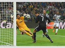 Lionel Messi or Cristiano Ronaldo? Read the arguments and