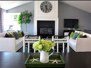 10 of the best colors to pair with gray for Green and grey living room