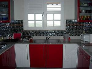 Beau deco cuisine grise et rouge avec uncategorized luxe for Idee deco cuisine avec cuisine deco retro