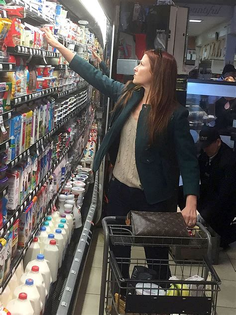 ali larter booty  tight jeans grocery shopping  west