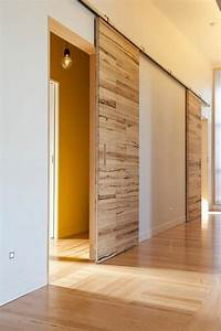 Les 25 meilleures idees de la categorie portes interieures for Porte de garage coulissante et porte simple en bois