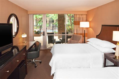 downtown atlanta hotel accommodations suites rooms