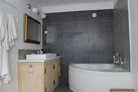 ma salle de bain grande baignoire et buanderie invisible dans 3m2 appartement malin