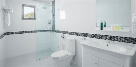 Discount Bathroom Tiles ? Buy Modern White Bathroom Tiles