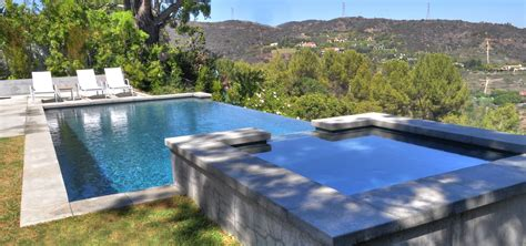 los angeles vanishing edge pool design  elevated spa