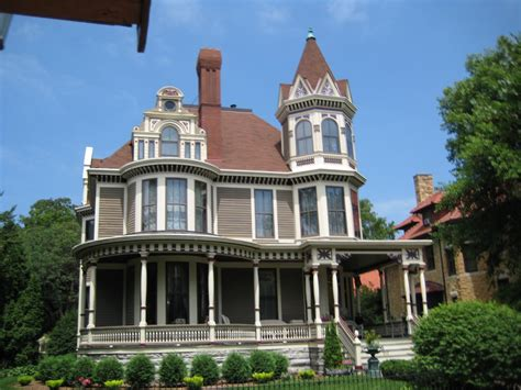 Houses :  Pretty Houses On Summit Ave