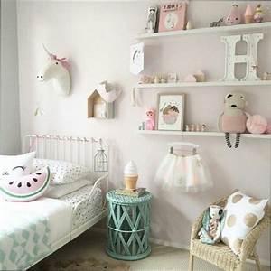 chambre fille idee pour faire une chambre de petite fille With idee pour petite chambre