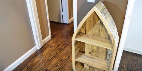 cleverly shows      unique pallet wood