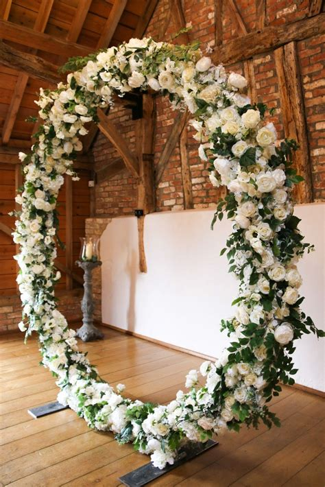 White and green flower circle for wedding ceremony