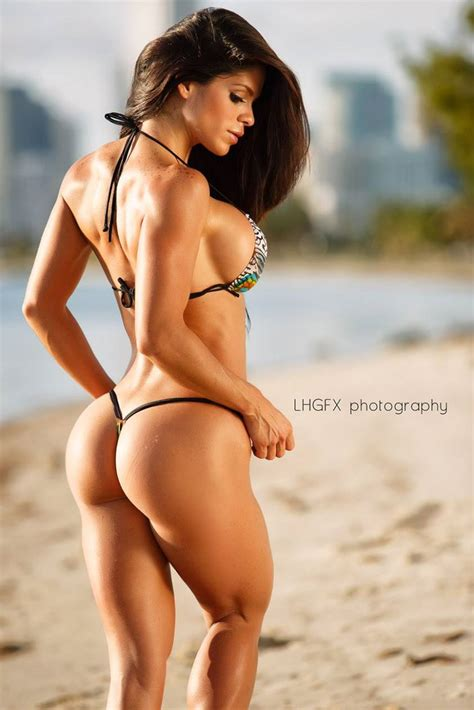 Fitness Model Michelle Lewin Core Fitness