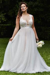 plus size wedding dresses a simple guide modwedding With wedding dress sizing